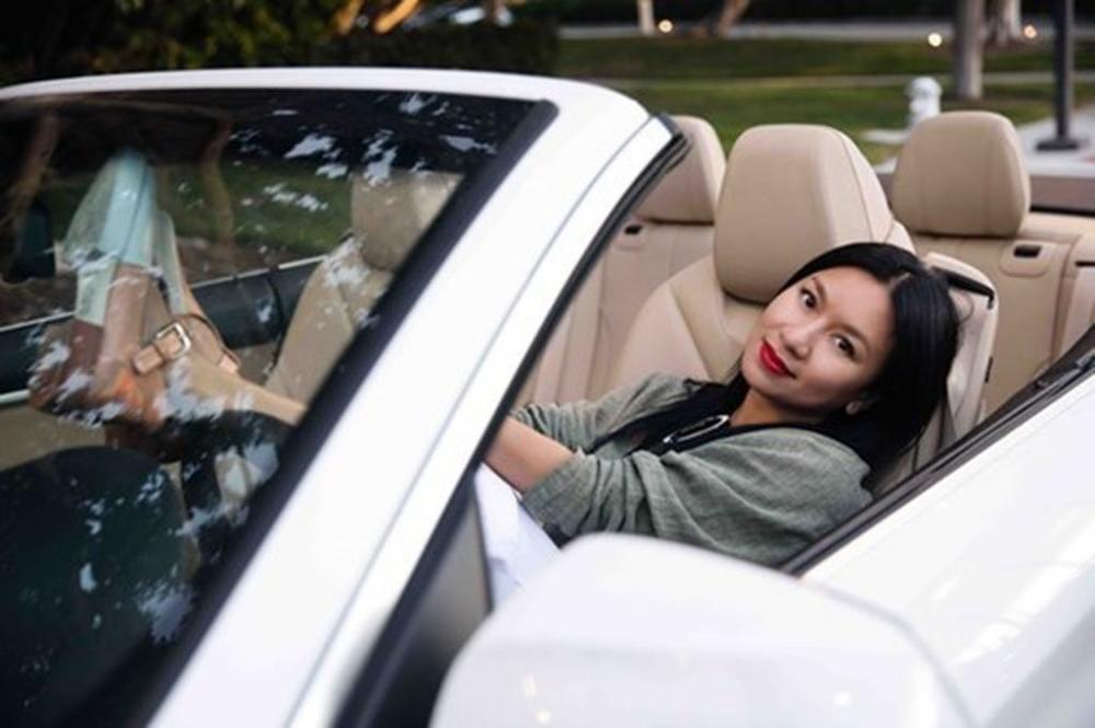 Người đẹp và xe: Bộ ảnh của nữ hoàng lịch Y Phụng 5.