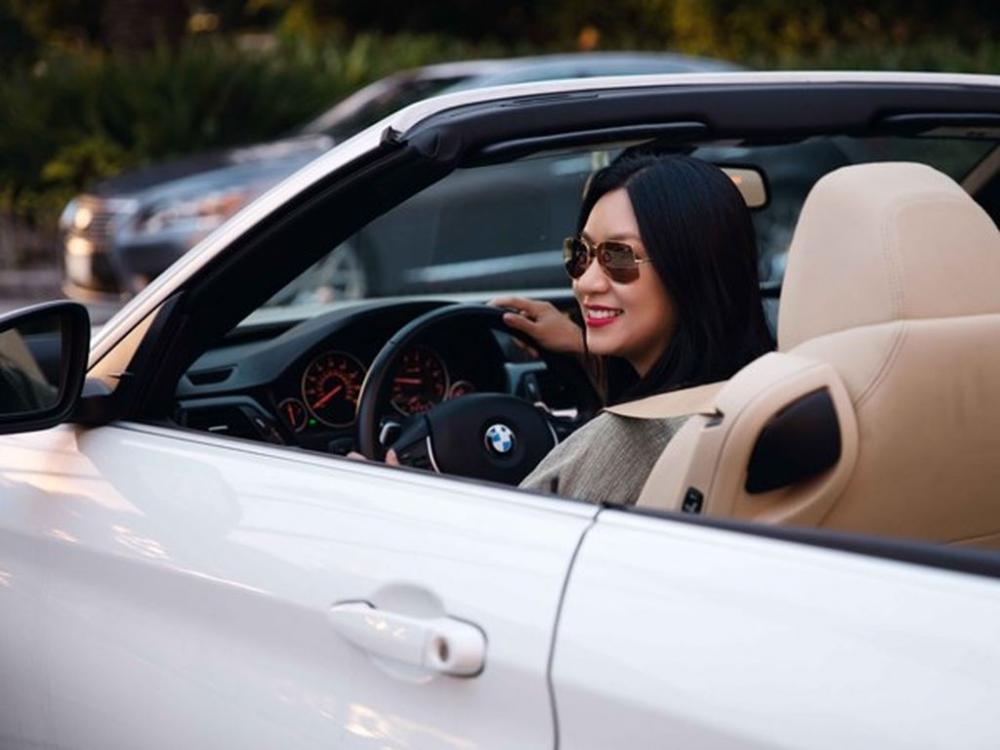 Người đẹp và xe: Bộ ảnh của nữ hoàng lịch Y Phụng 9.