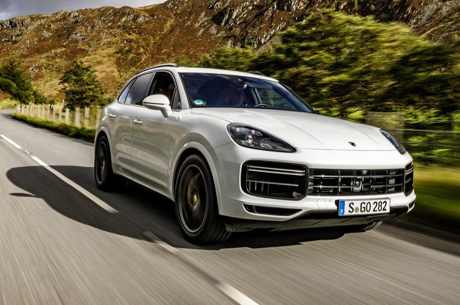 Porsche Cayenne Turbo 2018: 3,9 giây 6