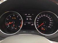 Đánh giá xe Volkswagen Cross Polo 2018: Cụm đồng hồ sau vô-lăng 15