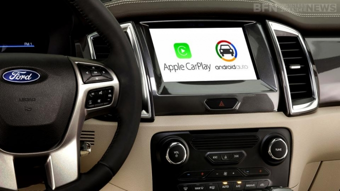 Apple CarPlay/Android Auto 6