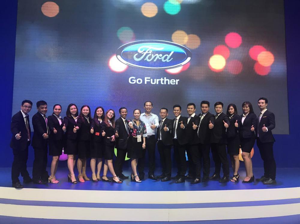 Đội ngũ nhân viên chuyên nghiệp Sài Gòn Ford