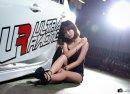 Người đẹp bên xe độ Mazda 3 hatchback