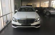 Bán Mercedes E200 đời 2017, màu trắng - Chỉ cần thanh toán 380 triệu, nhận xe ngay giá 2 tỷ 99 tr tại Tp.HCM