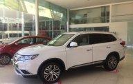 Cần bán Mitsubishi Outlander đời 2018, màu trắng, giá ưu đãi, cho vay đến 80% giá 807 triệu tại Đà Nẵng