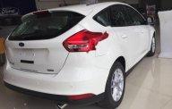 Cần bán xe Ford Focus Trend sản xuất 2018, màu trắng giá 575 triệu tại Hà Nội