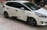 Cần bán gấp Kia Rondo sản xuất 2015, màu trắng giá cạnh tranh giá 608 triệu tại Tp.HCM