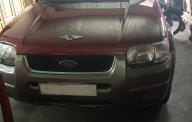 Bán Ford Escape 2002 gia đình đi, cần tiền bán giá 195 triệu tại Tp.HCM