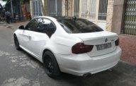Gia đình bán BMW 3 series 320i đời 2010, màu trắng  giá 520 triệu tại Tp.HCM