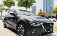 Cần bán lại xe Mazda 2 1.5 AT đời 2016, màu đen, 560tr giá 560 triệu tại Hà Nội