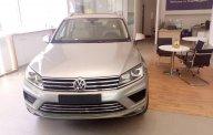 Volkswagen Touareg bạc - có sẵn - giao ngay- giao xe toàn quốc - liên hệ ngay để được giá tốt 0968028344 giá 2 tỷ 499 tr tại Bình Định