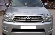 Bán Toyota Fortuner 2.5 G 2010 máy dầu, số tay, màu bạc. Hồ sơ cầm tay giá 650 triệu tại Hà Nội