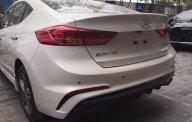 Bán xe Hyundai Elantra đời 2018, màu trắng, 555 triệu giá 555 triệu tại Tp.HCM