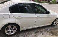 Đổi xe cần bán BMW 320i đăng ký 12/2009. Màu trắng còn mới tinh giá 625 triệu tại Tp.HCM
