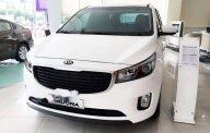Bán xe Kia Sedona đời 2018, màu trắng giá 1 tỷ 69 tr tại Tp.HCM