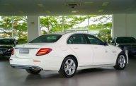 Bán Mercedes E250 đời 2018, màu trắng, xe nhập giá 2 tỷ 380 tr tại Tp.HCM