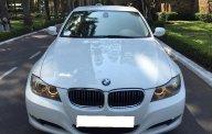 Gia đình cần bán BMW 320i trùm mền ít đi, sản xuất 2010, màu trắng giá 585 triệu tại Tp.HCM