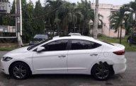Cần bán lại xe Hyundai Elantra đời 2016, màu trắng giá cạnh tranh giá 610 triệu tại Tp.HCM