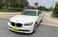 Cần bán BMW 750Li sx 2011 màu trắng tinh. Nhập khẩu, đập thùng 1 đời chủ. giá 1 tỷ 430 tr tại Tp.HCM