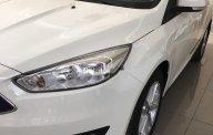 Bán xe Ford Focus Trend 1.5L đời 2018, màu trắng, giá tốt giá 570 triệu tại Hà Nội
