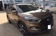 Cần bán Hyundai Tucson Turbo sản xuất năm 2017, màu nâu số tự động giá 898 triệu tại Tp.HCM