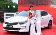 Bán xe Kia Optima 2.0 AT đời 2018, màu trắng, giá chỉ 772 triệu giá 772 triệu tại Tp.HCM