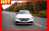 Bán xe Mercedes C300 màu trắng 2016 chính hãng. Trả trước 500 triệu nhận xe ngay giá 1 tỷ 630 tr tại Tp.HCM