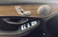 Cần bán gấp Mercedes C300 AMG sản xuất năm 2017, màu trắng chính chủ giá 1 tỷ 639 tr tại Tp.HCM