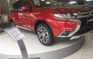 Bán Mitsubishi Outlander năm 2018, màu đỏ, Chỉ cần trả trước 170 triệu bạn sẽ sở hữu xe - LH Yến 0968.660.828 giá 808 triệu tại Nghệ An