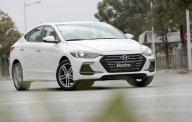 Bán xe Hyundai Elantra 2018, màu trắng giá 635 triệu tại Tp.HCM
