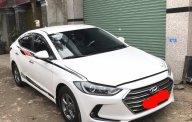 Cần bán xe Hyundai Elantra 1.6MT sản xuất năm 2017, màu trắng, giá cạnh tranh giá 536 triệu tại Tp.HCM