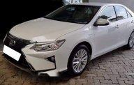 Cần bán lại xe Toyota Camry 2.0E AT sản xuất 2018, màu trắng ít sử dụng giá 932 triệu tại Tp.HCM