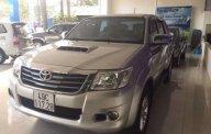 Cần bán Toyota Hilux 4x4 MT 2013, màu bạc, nhập khẩu nguyên chiếc xe gia đình giá 530 triệu tại Lâm Đồng