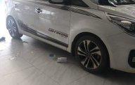 Bán xe Kia Rondo năm 2017, màu trắng, xe rất thơm tho sạch sẽ giá 700 triệu tại Đồng Nai