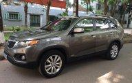 Nhà mình cần bán chiếc xe Kia Sorento đời 2011 số tự động, màu xám giá 523 triệu tại Tp.HCM