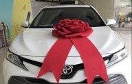 Bán Toyota Camry năm sản xuất 2019, màu trắng, nhập khẩu Thái giá 1 tỷ 235 tr tại Tp.HCM