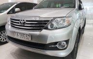 Cần bán xe Toyota Fortuner 2.7V (4x2) đời 2016, số tự động, màu bạc, giá tốt giá 780 triệu tại Tp.HCM