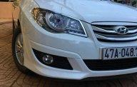 Gia đình bán xe Hyundai Avante sản xuất 2013, màu trắng số sàn giá 338 triệu tại Đắk Lắk
