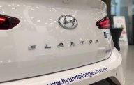 Bán Hyundai Elantra Sport 1.6 AT sản xuất năm 2019, màu trắng  giá 769 triệu tại Long An