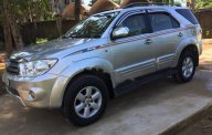 Bán ô tô Toyota Fortuner năm sản xuất 2010, màu bạc chính chủ giá 565 triệu tại Nghệ An