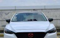 Cần bán lại xe Mazda 6 2.0 Premium năm sản xuất 2017, màu trắng giá 790 triệu tại Tp.HCM