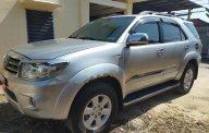Cần bán xe Toyota Fortuner đời cuối 2009, màu bạc còn mới giá 444 triệu tại Tp.HCM