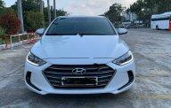 Bán Hyundai Elantra 1.6 AT năm 2018, màu trắng chính chủ giá 587 triệu tại Đà Nẵng