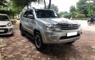 Bán Toyota Fortuner năm sản xuất 2010, màu bạc xe nguyên bản giá 565 triệu tại Hà Nội
