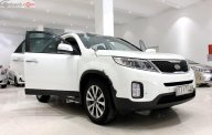 Cần bán Kia Sorento sản xuất 2014, màu trắng, số tự động, 650 triệu giá 650 triệu tại Tp.HCM