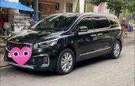 Cần bán xe Kia Sedona sản xuất năm 2019, màu đen giá 1 tỷ 60 tr tại Tp.HCM