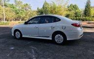 Cần bán Hyundai Avante sản xuất năm 2015, màu trắng giá 365 triệu tại Gia Lai