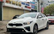 Bán Kia Cerato 1.6 AT đời 2019, màu trắng số tự động, giá 640tr giá 640 triệu tại Hà Nội