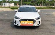 Cần bán gấp Hyundai Elantra năm 2017, số sàn giá 425 triệu tại Đà Nẵng