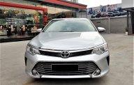 Cần bán xe Toyota Camry 2.0E 2015 màu bạc, xe đẹp đi kĩ, chính hãng Toyota Sure giá 720 triệu tại Tp.HCM
